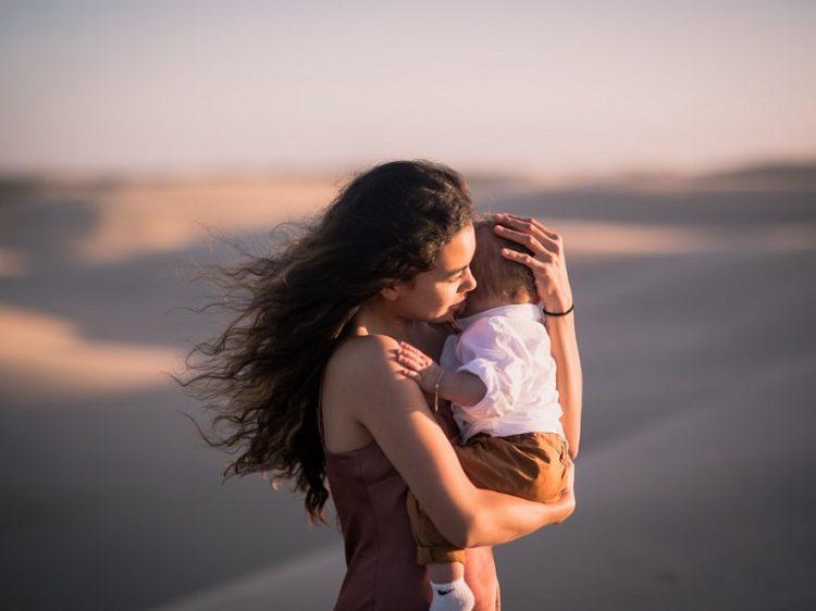 Κάνε τον εαυτό σου τον πιο θαυμάσιο άνθρωπο του κόσμου, γιατί αυτό θα δώσεις στα παιδιά σου
