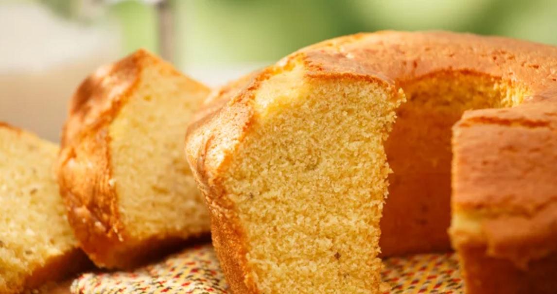 Θρεπτικό κέικ χωρίς αλεύρι και ζάχαρη από τη διατροφολόγο