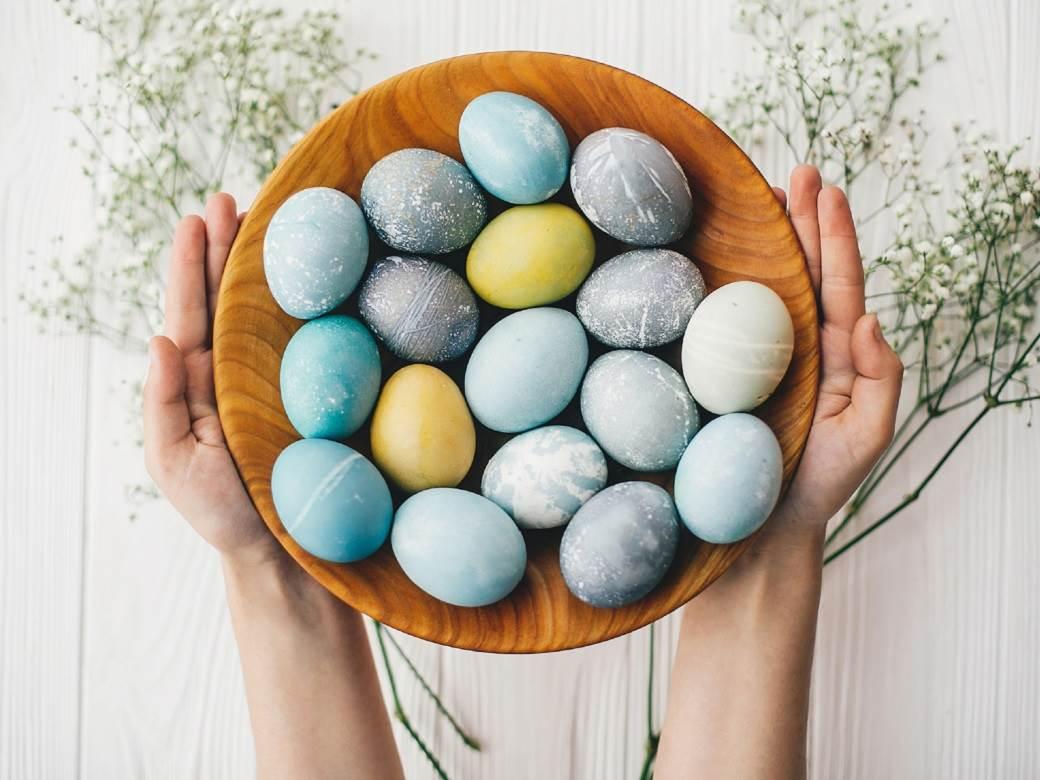 Βαφή αυγών με φυσικό τρόπο