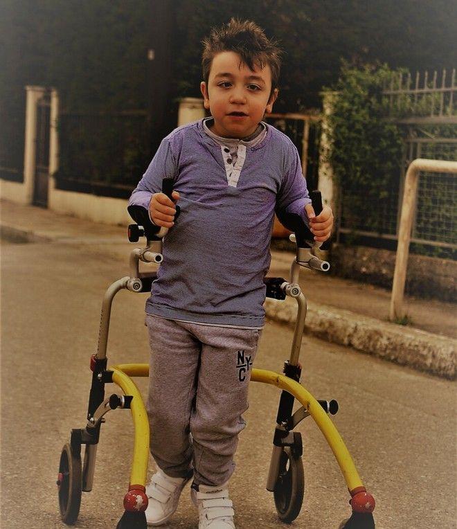 Ο μικρός Αλέξανδρος από τη Μακρακώμη χρειάζεται τη βοήθεια όλων μας