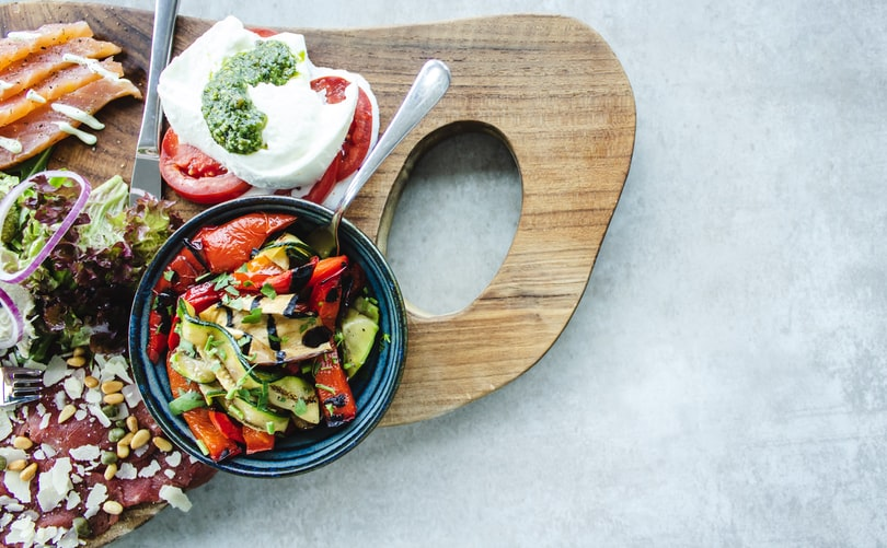 Τι τρώνε οι διατροφολόγοι το καλοκαίρι; Πάρε ιδέες από 10 ειδικούς