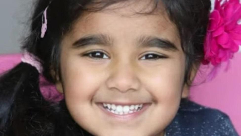 Γνωρίστε την 4χρονη Dayaal. Η Dayaal είναι ιδιοφυΐα και θεωρείται η νέα Αϊνστάιν