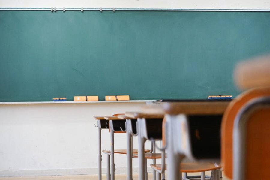 Πολύχρωμο Σχολείο: Ζητά ακύρωση θέματος πανελλαδικών λόγω «ομοφοβίας»