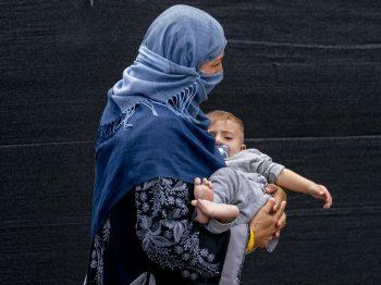 Πούλησα το μωρό μου 500 δολάρια για να φάμε: Εφιάλτης στο Αφγανιστάν